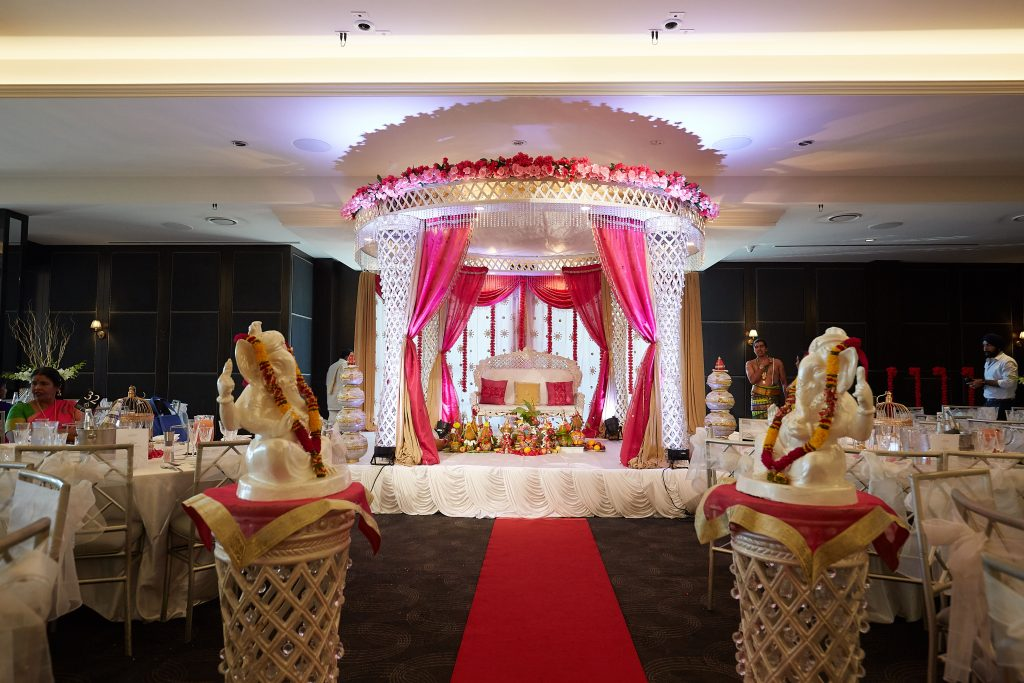 Le Montage Hindu Wedding Ceremony